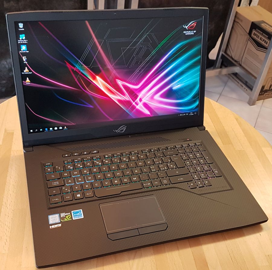 ASUS ROG Strix GL703G SCAR Edition Gaming Notebook Review (Core i7 8750H + GTX 1060)