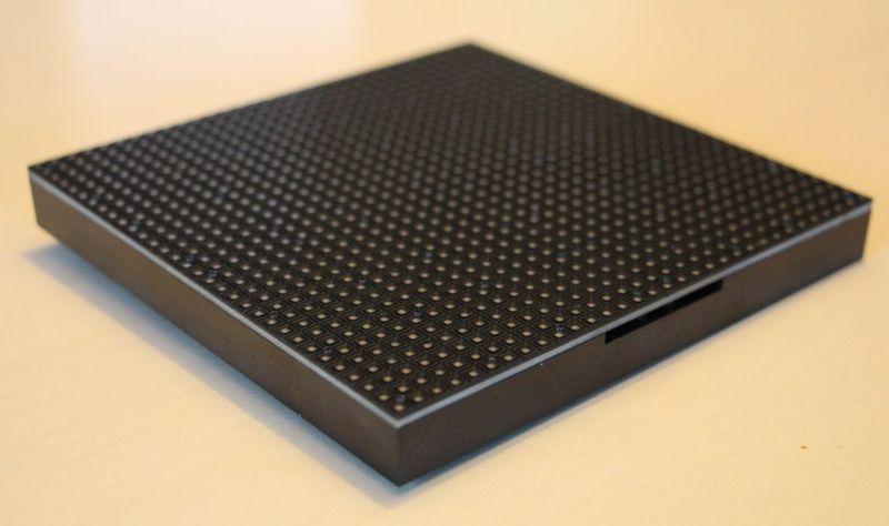 Adafruit 32x32 RGB LED Matrix Panel 4mm Pitch Unboxing | Geeks3D