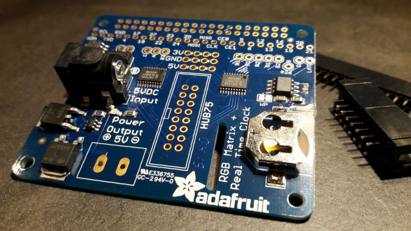 Adafruit RGB Matrix HAT: the Raspberry Pi can talk with the RGB LED