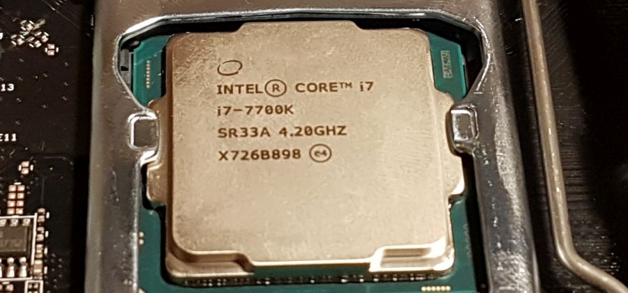 Intel CPU: Core i7 7700K